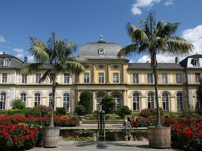 Poppschloss und botanischer Garten
